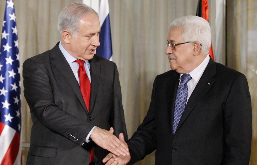 """عباس يكشف: قلت """"لإسرائيل"""" لنجلس ونبحث خصم رواتب الشهداء والجرحى و""""يا تقنعونا يا نقنعكم"""""""