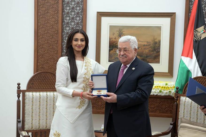 """بعد تكريمها من عباس.. الممثلة البحرينية هيفاء حسين: """"الأقصى قبلة اليهود والمسلمين"""""""