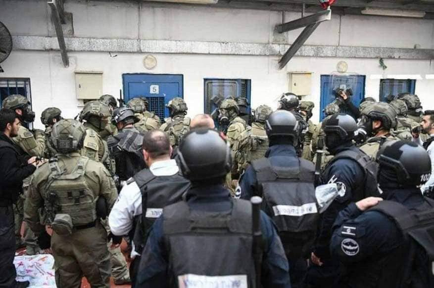 الأورومتوسطي:يطالب بتحقيق أممى ضد انتهاكات الاحتلال للمعتقلين