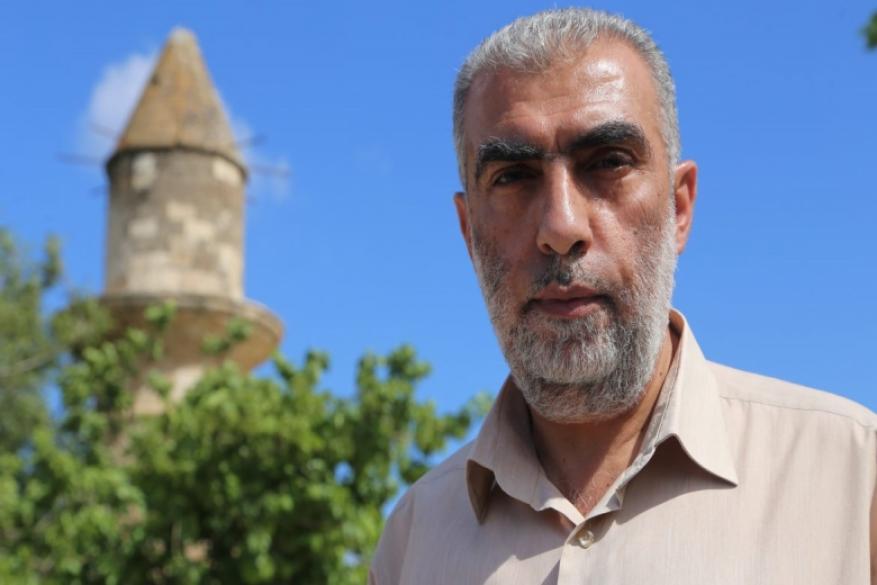 """نشطاء على مواقع التواصل يتضامنون مع الشيخ كمال خطيب ضد """"الذباب الالكتروني"""""""