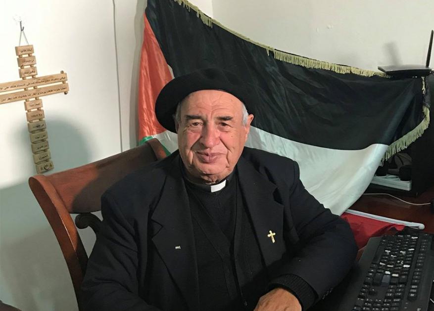 الأب مسلم لمنظمة التحرير: فشلتم واعتمدتم التنسيق الأمني مع الاحتلال وتركتم شعبنا