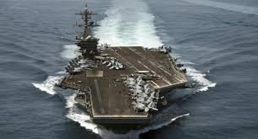 وزير الدفاع الأمريكي يؤيد إقالة قائد حاملة طائرات وسط أنباء عن إصابته بكورونا