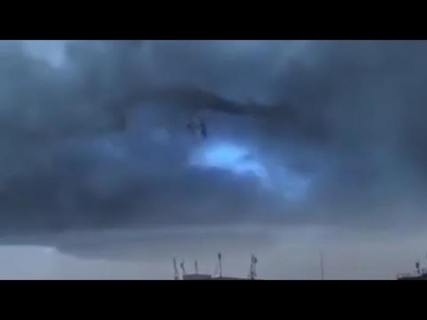 سبب رعبا في السوشال ميديا... ما حقيقة ظهور تنين بين الغيوم؟