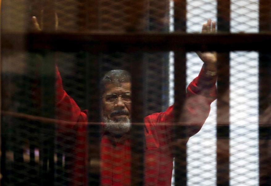 روى تفاصيل سجنه.. تقرير أممي يحمل الحكومة المصرية مسؤولية وفاة مرسي
