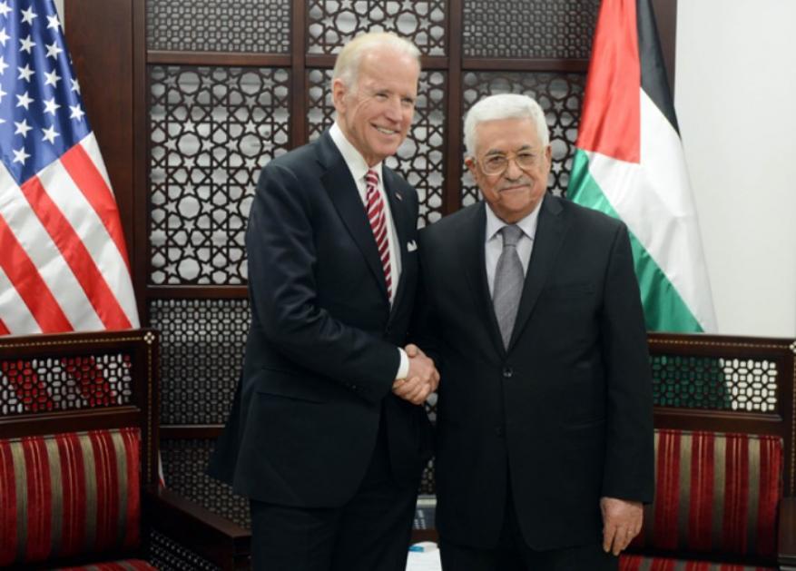 عباس يسعى لكسب الإدارة الأمريكية الجديدة لاستئناف المفاوضات
