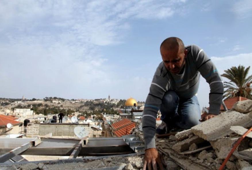 الاحتلال يجبر مقدسيا على هدم منزله في القدس