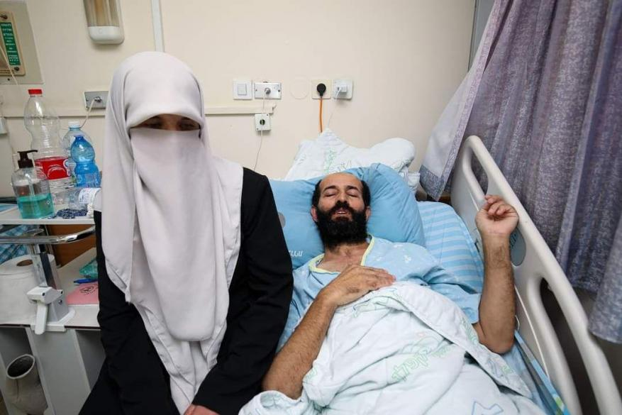 """لا أريد الموت في """"كابلان"""" .. سجانو الاحتلال يعتدون بشكل وحشي على الأسير الأخرس"""
