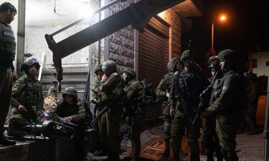 الاحتلال يستولي على معدات ورشة حدادة غرب سلفيت
