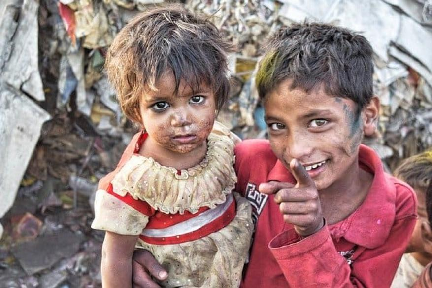 """لقاحات """"كورونا"""".. ماذا عن فقراء العالم"""