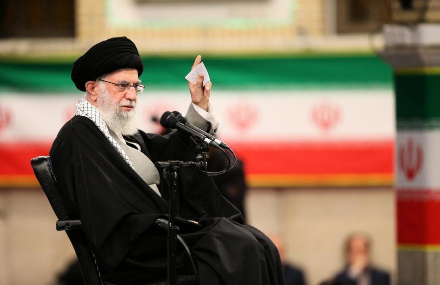 خامنئي: إيران ستدعم المقاومة الفلسطينية المسلحة بكل قوة وهذه مسؤوليتنا