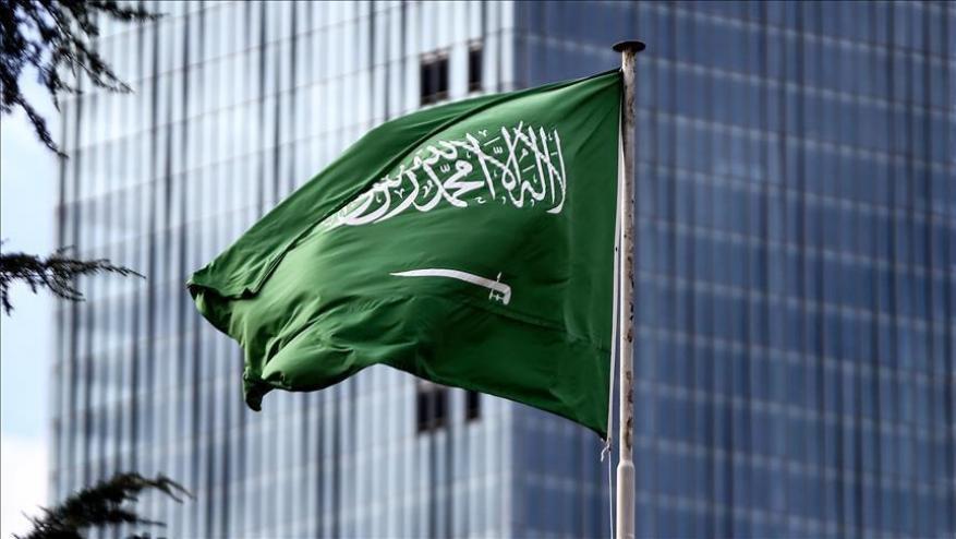 السعودية: استهداف إحدى ساحات الخزانات البترولية في رأس تنورة وحي سكني في الظهران ولا إصابات