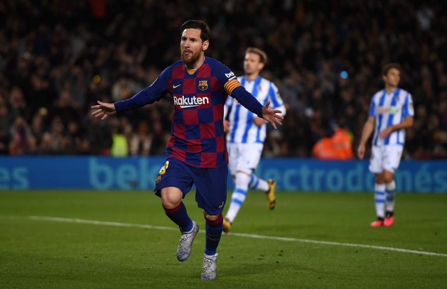 ميسي يمنح برشلونة فوزاً صعبا على سوسيداد