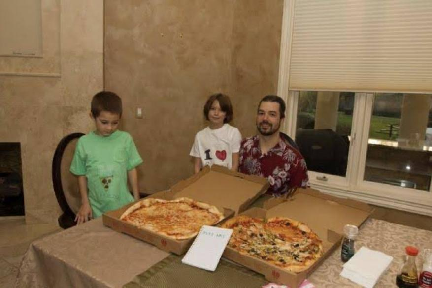 """ندم عليها طول عمره.. 600 مليون دولار ثمن وجبة """"بيتزا""""!"""