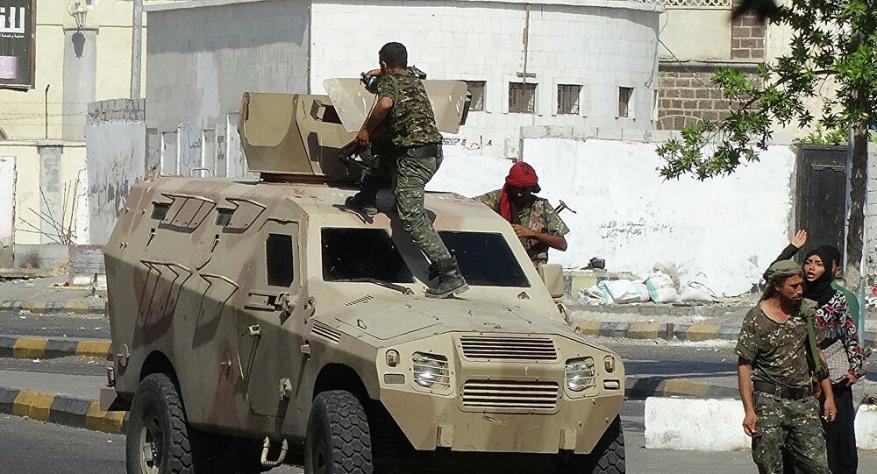 اغتيال مسؤول حكومي يمني بالرصاص أمام منزله غرب عدن