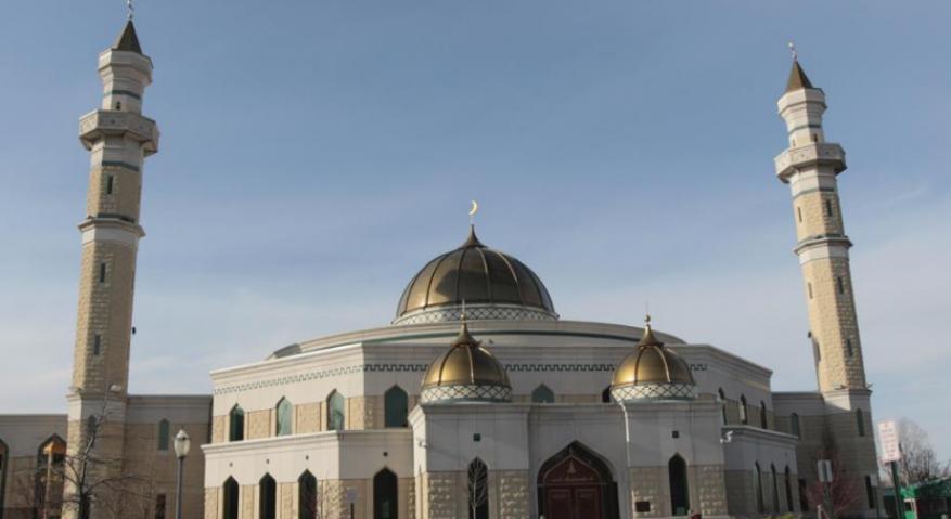 في أول رمضان بعد إسلامها.. كاتبة أميركية: أملأ بيتي بحياة جديدة رغم كورونا