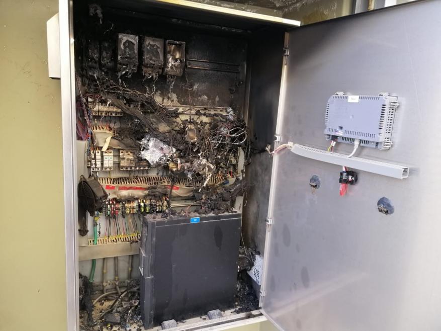 مستوطنون يحرقون خزانة الكهرباء التابعة لخزان مياه عصيرة القبلية