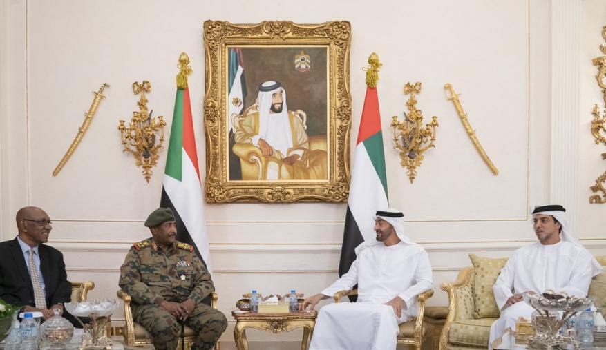 محمد بن زايد يؤكد دعم الإمارات للسودان