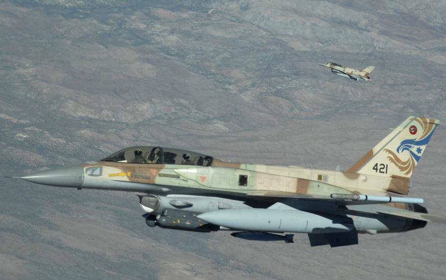 طيران حربي وزوارق إسرائيلية في أجواء ومياه لبنان