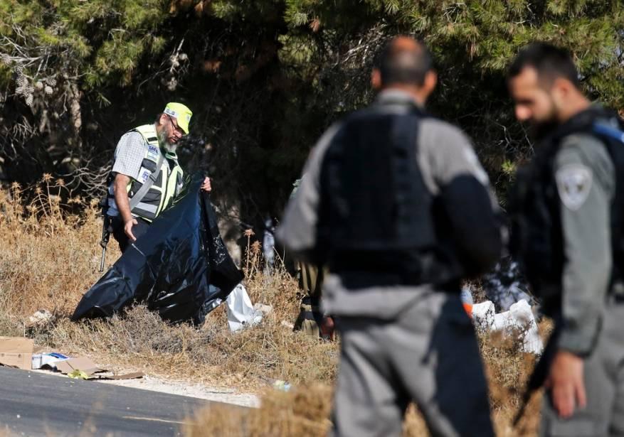 """تقديرات إسرائيلية: منفذا عملية """"غوش عتصيون"""" تصرفا لوحدهما ولا ينتميان لأي تنظيم"""