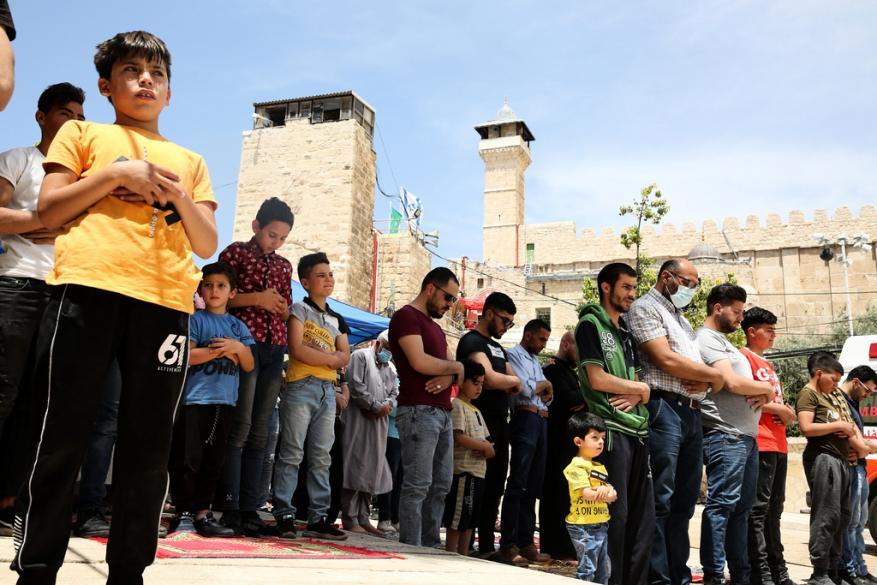 بإيعاز من غانتس.. مشروع تهويدي لتغيير مدخل المسجد الإبراهيمي