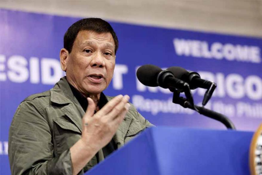 """رئيس الفلبين للشرطة: """"اقتلوا مخالفي العزل رميا بالرصاص"""""""