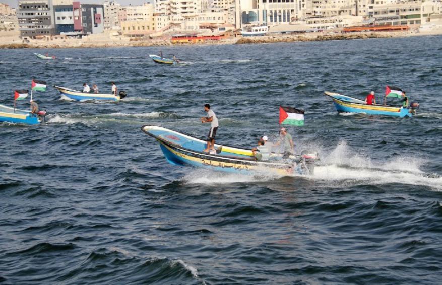 الاحتلال يقرر إعادة 65 قارب صيد لغزة