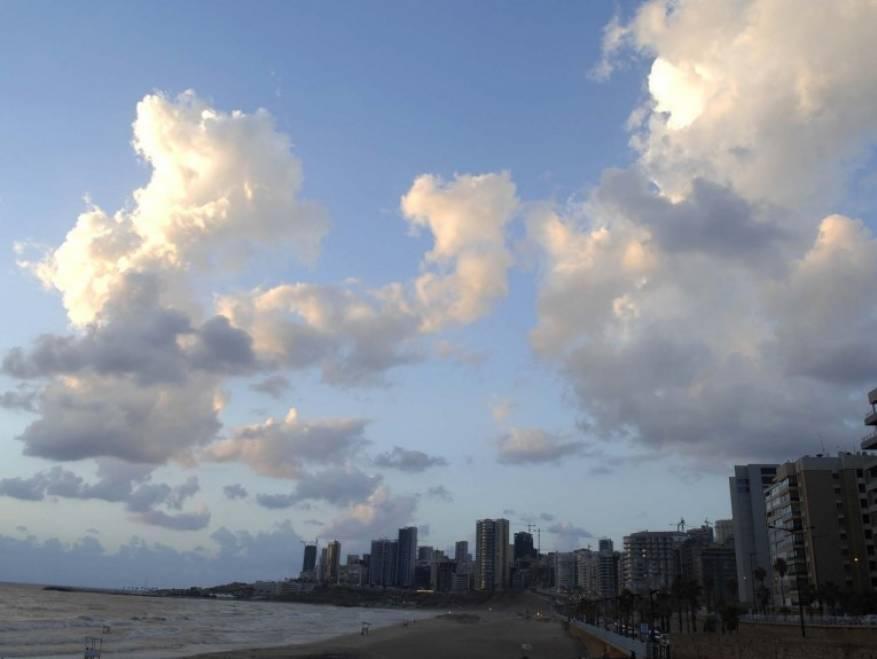 الطقس: أجواء غائمة جزئيا والحرارة أعلى من معدلها السنوي حتى الإثنين
