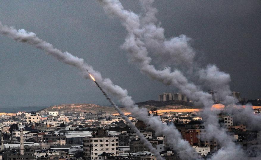 صواريخ حماس التجريبية.. العدو قلق من نفاذ صبر غزة وتعاظم قوة مقاومتها