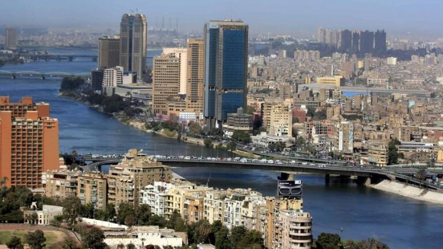 امرأة تعتدي على ممثل مصري مشهور (فيديو)