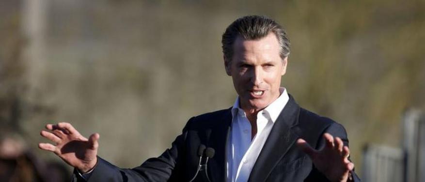 حاكم كاليفورنيا يتحدى ترامب ويعتزم سحب قواته من حدود المكسيك