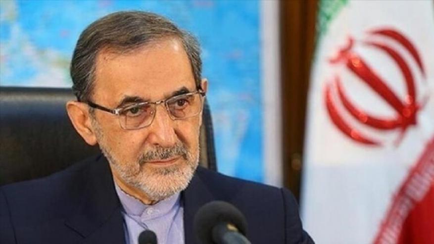 """ولايتي: إيران ستقف بوجه التطبيع مع """"إسرائيل"""" وأمنها خط أحمر"""