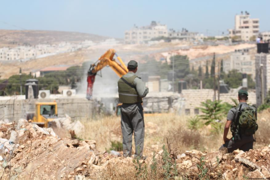 Israeli occupation destroys Palestinian facility in Jerusalem