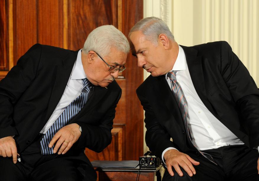 """يديعوت: اتصالات سرية بين السلطة والليكود لدعم نتنياهو ضد """"المشتركة"""""""