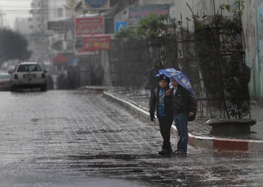 الطقس: الحرارة أدنى من معدلها العام وأمطار على مختلف المناطق