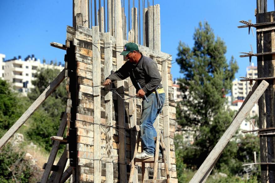 وزير العمل: مشروع دعم العمال المتضررين من كورونا مخصص للضفة فقط