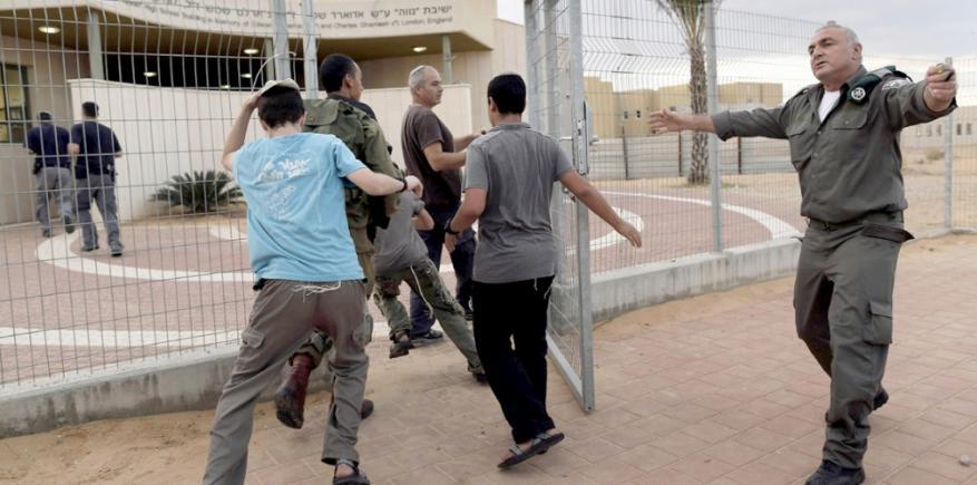 """القناة 14: زيادة الأزمات النفسية لدى مستوطني غلاف غزة بفعل """"الطائرات الورقية"""""""