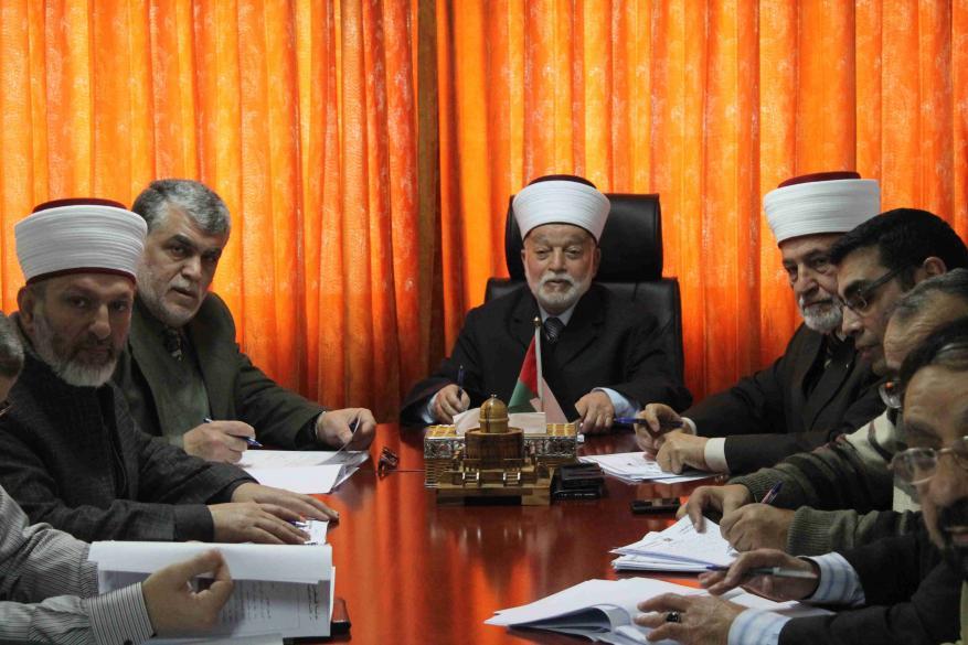 مجلس الإفتاء الأعلى يحذر من عواقب التغاضي عن جرائم الاحتلال ضد المقدسات