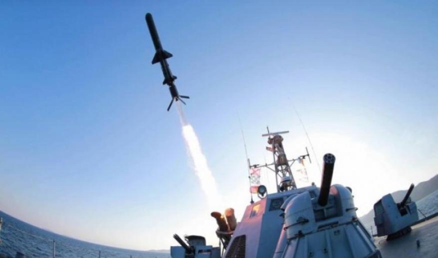 لأول مرة.. الاحتلال يقصف مواقع إيرانية في سوريا من البحر