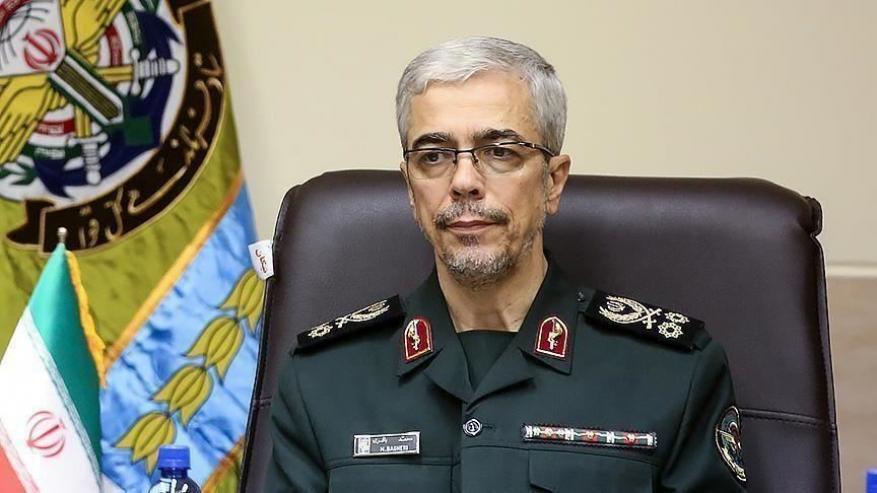 رد قوي من رئيس الأركان والبرلمان الإيراني على تصريحات ماكرون بشأن الإسلام