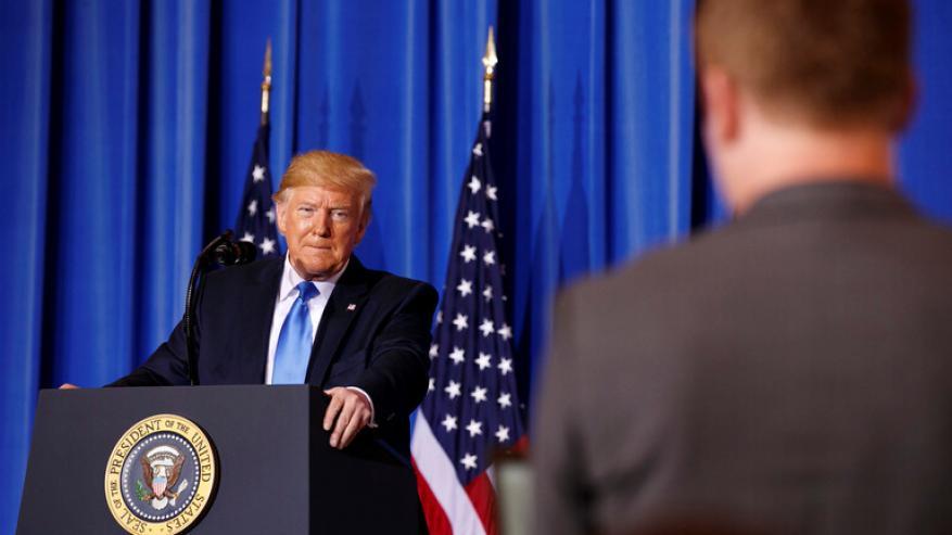 شاهد ترامب ينهي مؤتمرا صحفيا بعد سؤال مربك