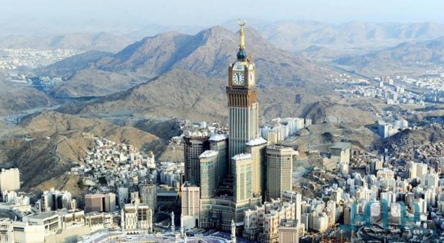 شاهد حادثة مأساوية في مكة أثارت جدلا.. والسلطات تفتح تحقيقا