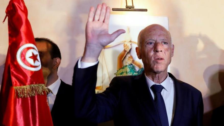 تعرف على صلاحيات رئيس تونس ومهامه