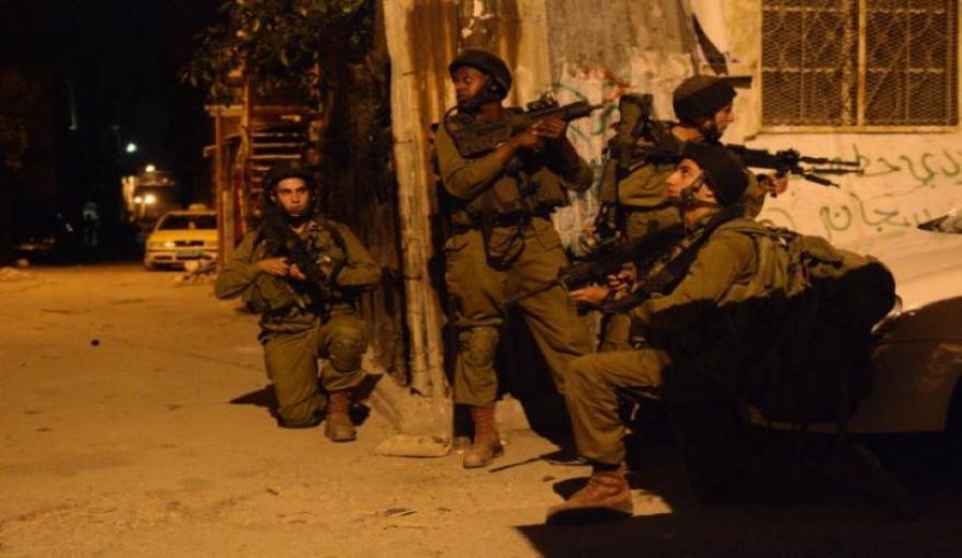 الاحتلال يعتقل 16 مواطنا بالضفة المحتلة