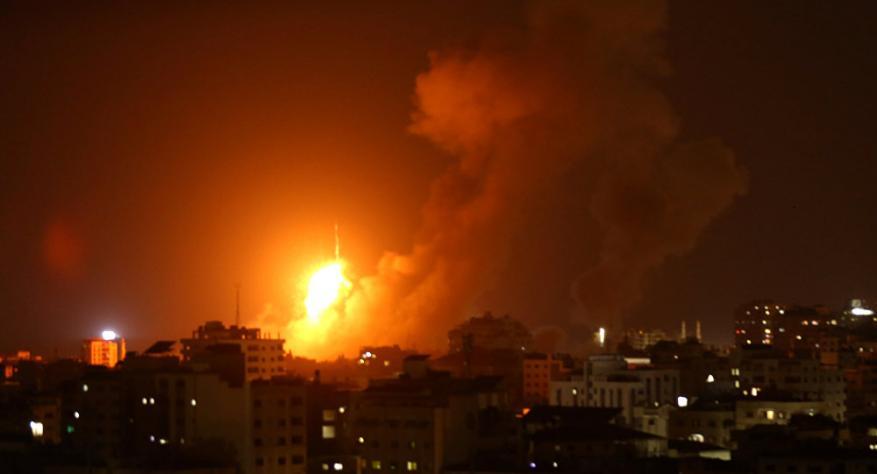 الاحتلال يقصف عدة مناطق في قطاع غزة