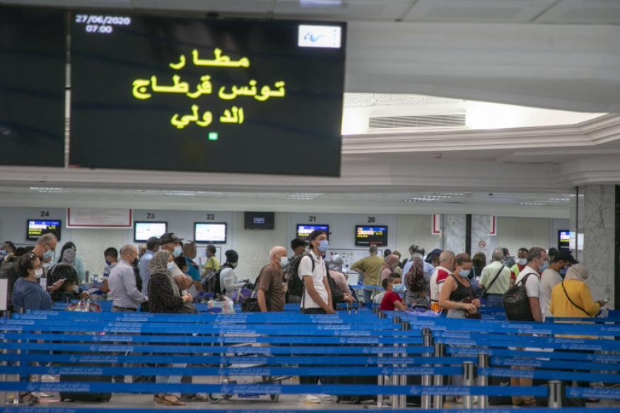 """كورونا.. تونس أول دولة عربية تفتح حدودها و""""انفجار"""" في أعداد المصابين بولايات أميركية"""