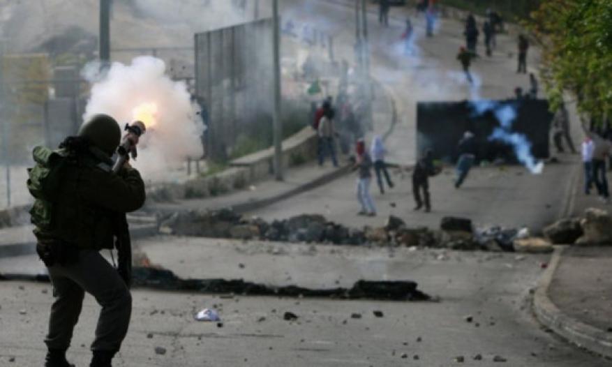 إصابات بالاختناق بمواجهات شمال مدينة قلقيلية