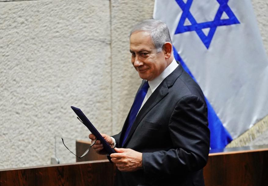 نيابة الاحتلال تعارض طلب نتنياهو التغيب عن افتتاح محاكمته