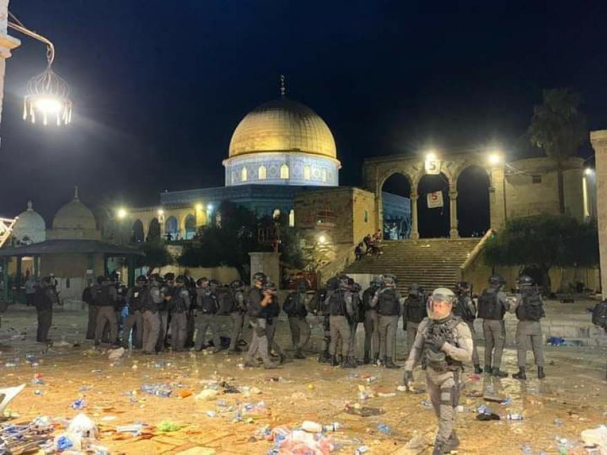 حمـ ـاس: سيدفع الاحتلال ثمن عدوانه وتعدّيه السافر على حق المسلمين في الصلاة بالأقصى
