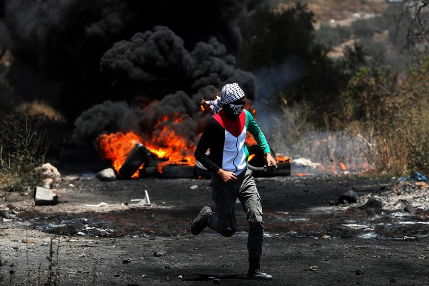 15 إصابة بالرصاص والعشرات بالاختناق خلال قمع الاحتلال مسيرة كفر قدوم