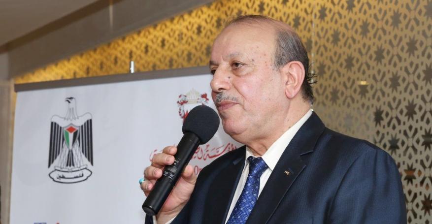 """في خضم """"ورشة البحرين"""".. سفير السلطة بالمنامة تاجر يسعى للجنسية وعباس يتغاضى"""